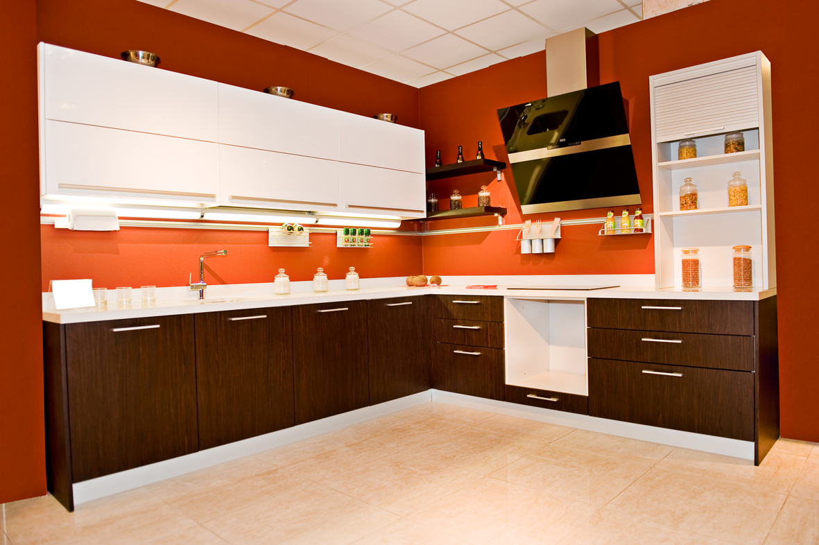 kuchnia biało brązowa  DIVER